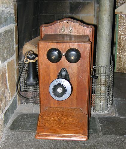 telephone by Flickr user Paul Keleher