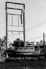 Turístico - Barco abandonado