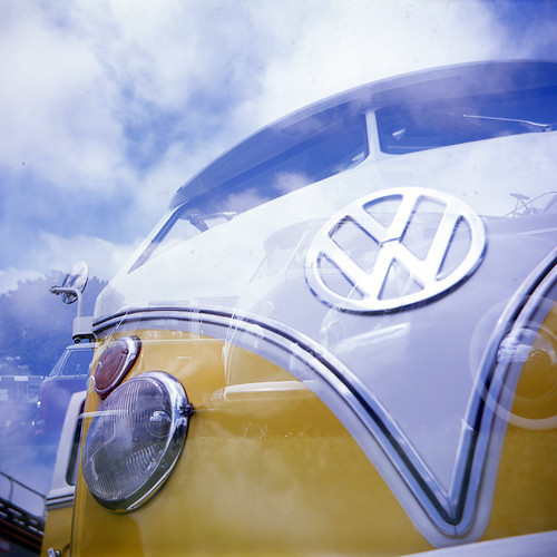 Un Combi VW Split de 1964 - Lomo Lubitel 2 by Scopict.