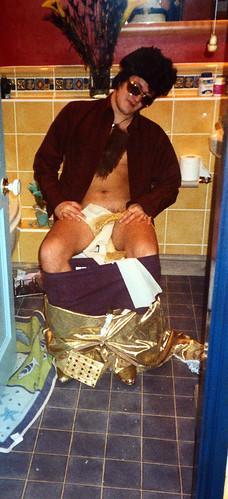 Elvis on toilet