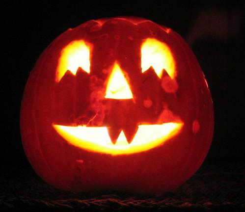 Halloween by Miala