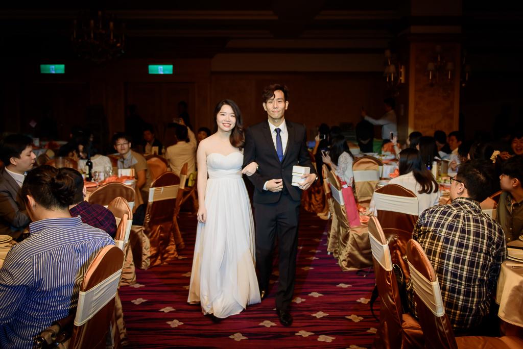 Wedding day-0058 ,僑園婚攝,台中僑園,僑園婚宴,新秘Alice ,婚攝小勇,台北婚攝, 小淑造型團隊