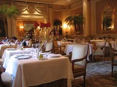 Le Cinq dining room