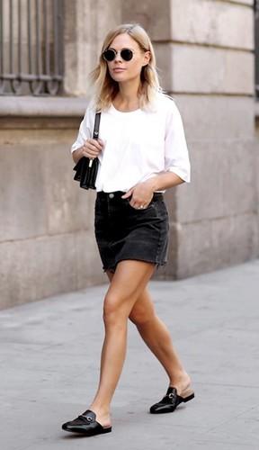 Mocassim mule cai na graça das fashionistas agora, mas já é queridinha das french girls faz tempo.