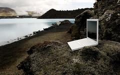 macbook enjoys the Blue Lagoon