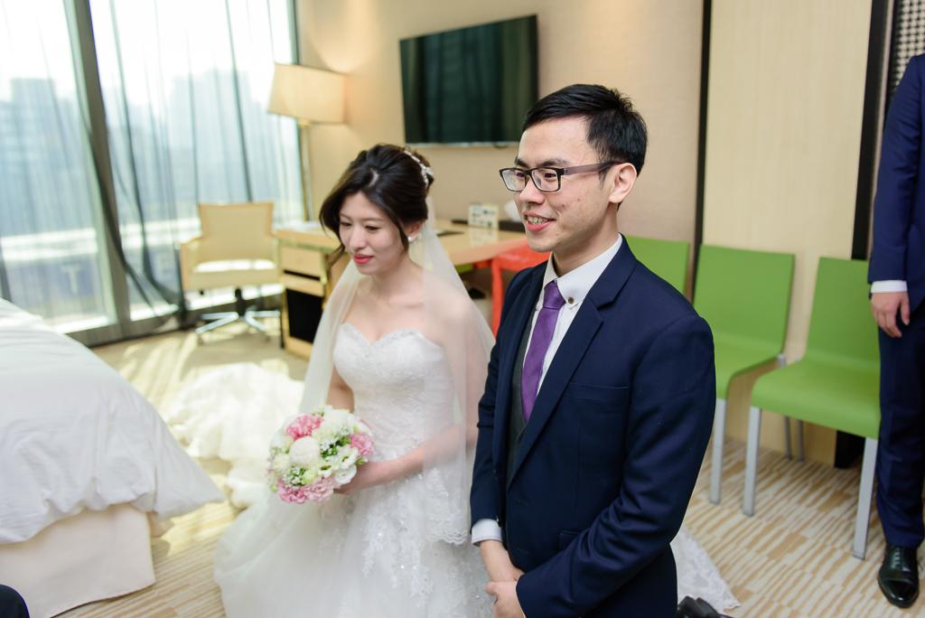 Wedding day-0046 ,僑園婚攝,台中僑園,僑園婚宴,新秘Alice ,婚攝小勇,台北婚攝, 小淑造型團隊