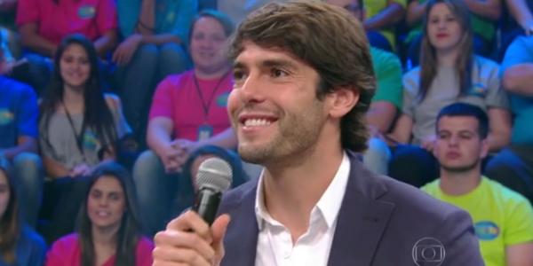 """Constrangido, Kaká diz na TV que está solteiro: """"Não tenho pressa"""""""