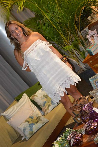 A bela Flaviane Barreto Alves entre as lindices de sua Matterfloris