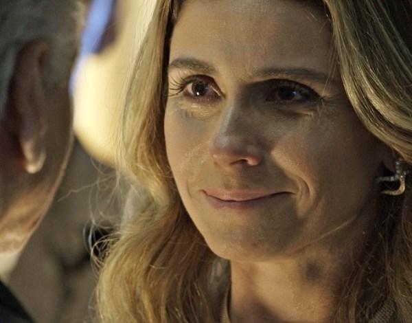 """Atena se nega a matar Romero e é aceita na facção em """"A Regra do Jogo"""""""
