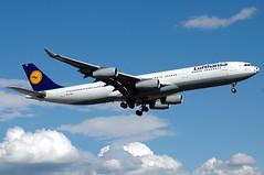 Lufthansa A340 D-AIGX