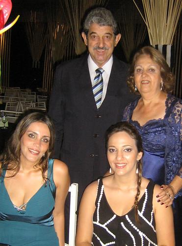 Oswaldo Cunha, Maria José, a filha Fernanda e a amiga Fabiana