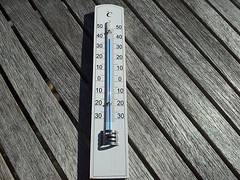 "Das Thermometer. Die Thermometer. • <a style=""font-size:0.8em;"" href=""http://www.flickr.com/photos/42554185@N00/23041475785/"" target=""_blank"">View on Flickr</a>"
