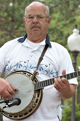 """CRW_2234: Banjo • <a style=""""font-size:0.8em;"""" href=""""http://www.flickr.com/photos/54494252@N00/10155427/"""" target=""""_blank"""">View on Flickr</a>"""