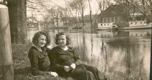 Gitta, my mother and her sister Roza