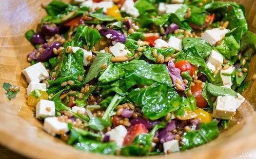 salada_de_trigo_mediterranea