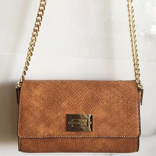 Bag poderosa, em piton e alças de correntes douradas