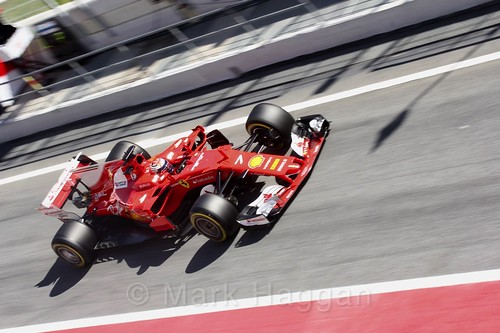 Kimi Raikkonen in his Ferrari during Formula One Winter Testing 2017
