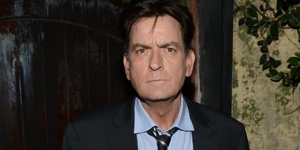 Charlie Sheen vai revelar nesta terça que é portador do vírus HIV, diz site