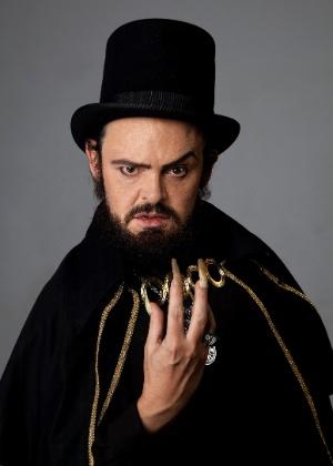 Nachtergaele encarna Zé do Caixão na TV e diz que é palhaço como Mojica