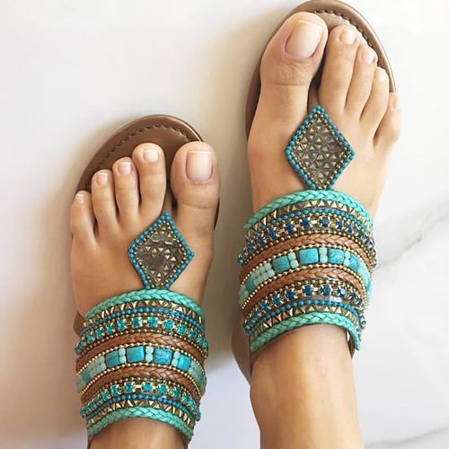 Bordados étnicos fazem nossos pés ficarem mais lindos no Verão
