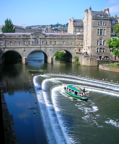 Pulteney Bridge Weir and Tour Boat