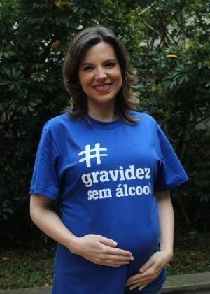 Às vésperas de dar à luz, jornalista da Globo anuncia licença-maternidade