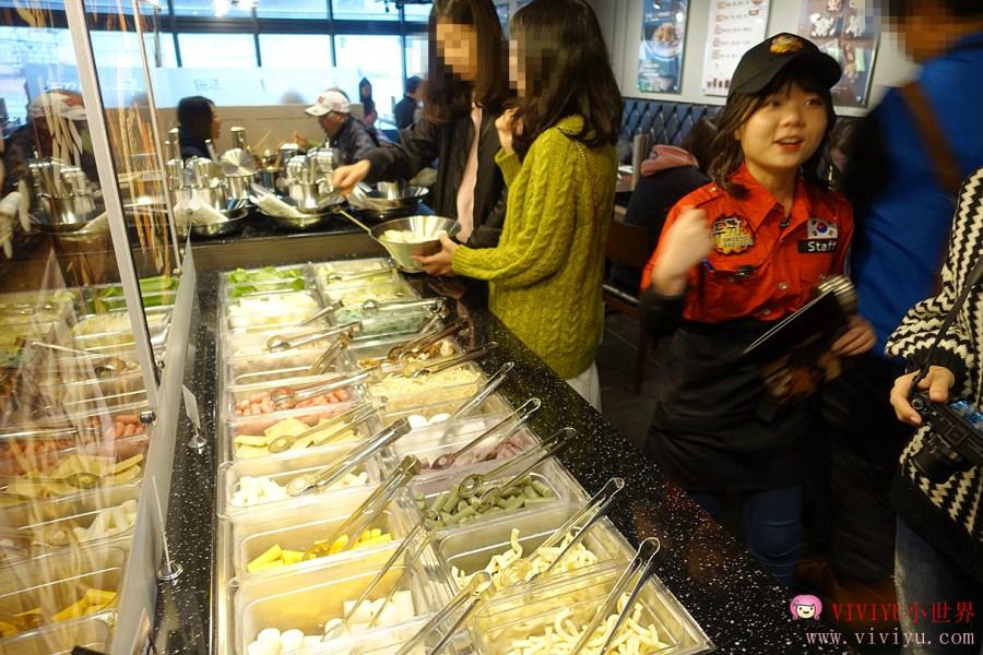 [桃園.美食]ATT筷時尚品牌一覽~『 兩餐 』 두끼 韓國年糕火鍋.每人299元吃到飽 @VIVIYU小世界