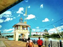 Kuching, Sarawak https://goo.gl/maps/U2yrotS99su  #travel #holiday #Asian #Malaysia #Sarawak #Kuching #travelMalaysia #holidayMalaysia #旅行 #度假 #亚洲 #马来西亚 #沙拉越 #古晋 #trip #马来西亚旅行 #traveling #waterfront #河滨公园 #touristattraction #River #bridge #桥 #河 #bluesky