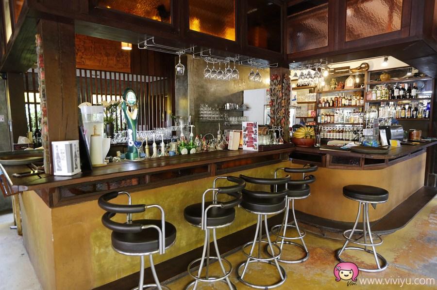 [清邁美食]Dash! Restaurant and Bar.古城區蘭那料理~夜晚LIVE演唱秀.氣氛佳 @VIVIYU小世界