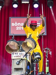 "KOKOKO! - Sonar 2018 - Jueves - 5 - M63C0854 • <a style=""font-size:0.8em;"" href=""http://www.flickr.com/photos/10290099@N07/41912961495/"" target=""_blank"">View on Flickr</a>"