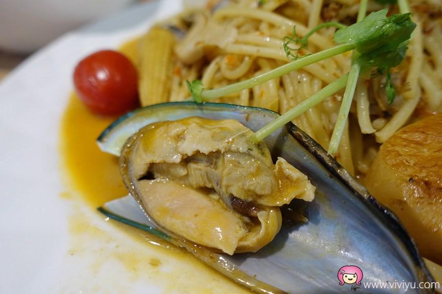 [桃園美食]為伴餐桌WEI BAN TABLE~武陵高中後方新開餐廳.義大利麵、燉飯、飲料 @VIVIYU小世界