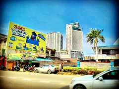 Jalan Tun Sri Lanang, 75100 Melaka https://goo.gl/maps/fyYt6W8kFaP2  #travel #holiday #Asian #Malaysia #melaka #holidayMalaysia #travelMalaysia #旅行 #度假 #亚洲 #马来西亚 #马来西亚度假 #马来西亚旅行 #Malacca #river #trip #traveling #Malacca #马六甲 #trip #traveling #building #高楼