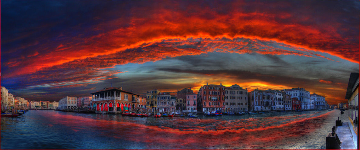 Grand Canale Burning