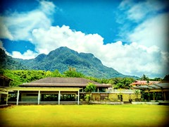 Bahagian Kuching, Sarawak https://goo.gl/maps/BGfj3nyhQL62  #travel #holiday #Asian #Malaysia #Sarawak #Kuching #travelMalaysia #holidayMalaysia #旅行 #度假 #亚洲 #马来西亚 #沙拉越 #古晋 #trip #马来西亚旅行 #traveling #马来西亚度假 #damaibeach #蓝天 #bluesky #tree #resort #度假村 #mount