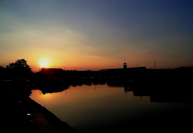 Sundown over the basin, by suesviews. Image used under Creative Commons, click pic for link.