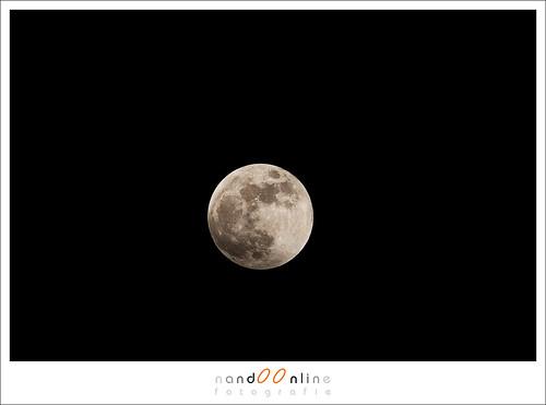 Daar heb je de maan weer: exact hetzelfde beeld als vorige maand. Dat moet anders kunnen.