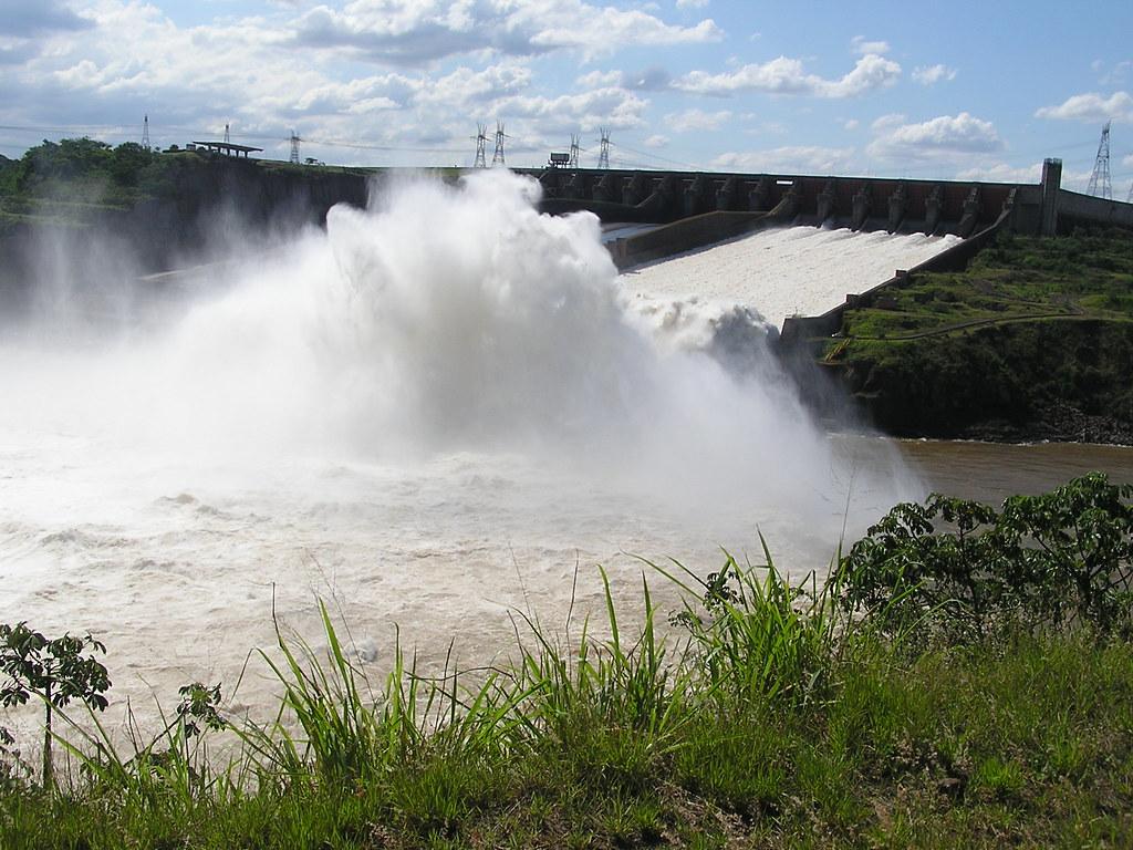 Central Hidroeléctrica de Itaipú-Brasil-Paraguay 100
