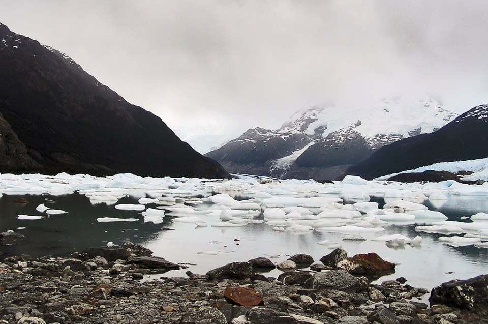 Bahia Lago y Glaciar Onelli Parque Nacional Los Glaciares Argentina 05