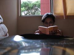 leyendo sin bañarse....