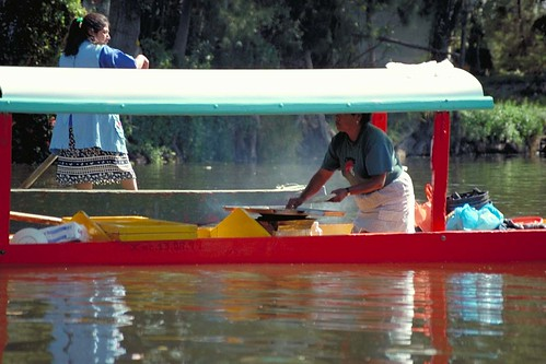 Xochimilco, Mexico City by Petirrojo