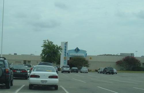E Entrance To Coliseum Mall
