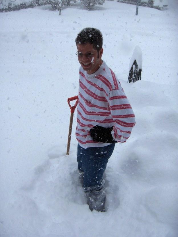 Snow shoveling, Shoveling