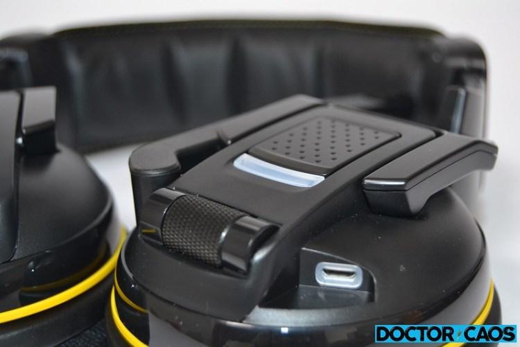 Corsair Gaming H2100 Wireless (3)