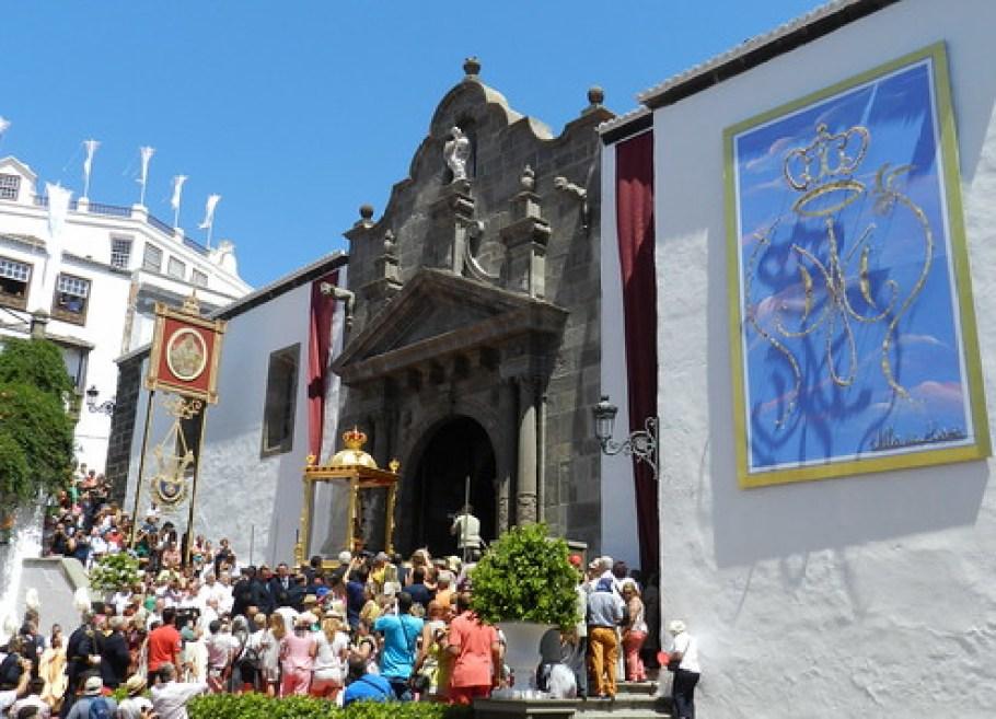 Llegada de la Virgen a Santa Cruz de La Palma procesión desde el Castillo hasta Iglesia de El Salvador 28