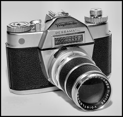Voigtlander Bessamatic  with f4 135mm lens by gnawledge wurker