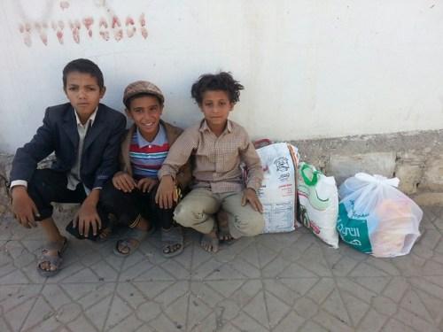 Niños yemeníes han visto llegar la comida gracias a esta acción solidaria