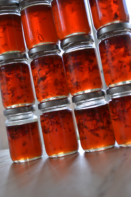Apple pepper herb jelly