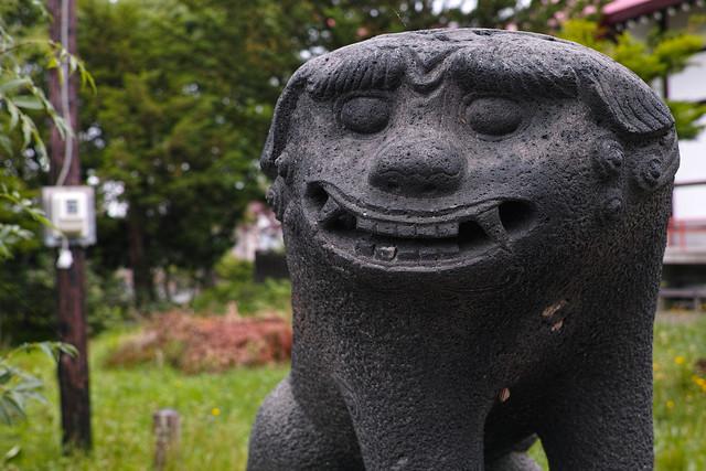 江部乙神社 笑ってる狛犬