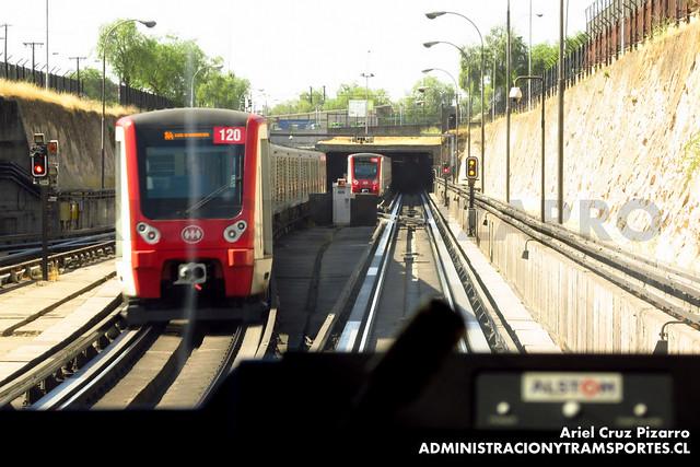 Metro de Santiago - CAF NS2012 N2120 - Neptuno / San Pablo (L1)