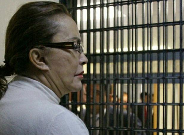 Desiste Gordillo de pruebas de salud para prisión domiciliaria